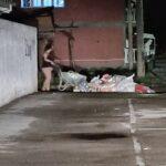 """""""Gospođo"""", da li vas je sramota?! Zabeleženo kako nastaje NEPOBEDIVA deponija u Đermanovićevoj ulici – VIDEO"""